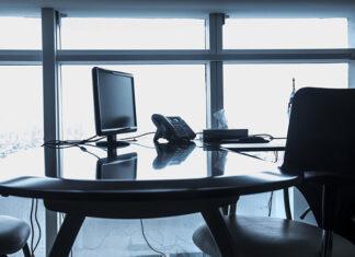 Ergonomia pracy przy biurku. Jak stworzyć ergonomiczne stanowisko pracy